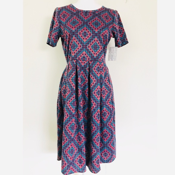LuLaRoe Dresses & Skirts - Lularoe Amelia diamond geometric pattern dress NWT
